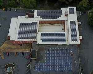 Ephrata-Business-Center-with-ballast-mounted-solar-panels