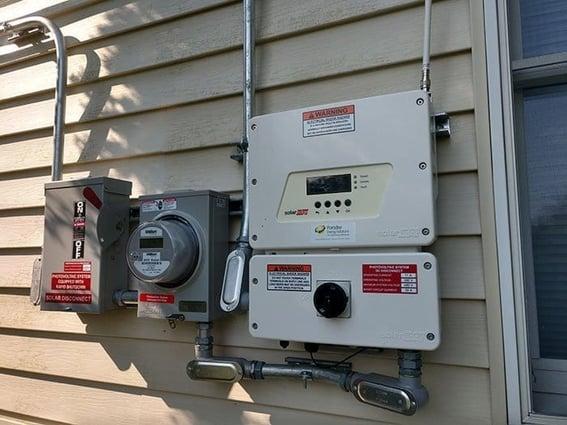 rapid shutdown switch on an inverter